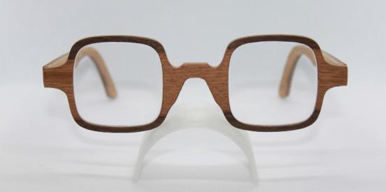 Cycas - Des lunettes exceptionnelles grâce a un défaut du bois.